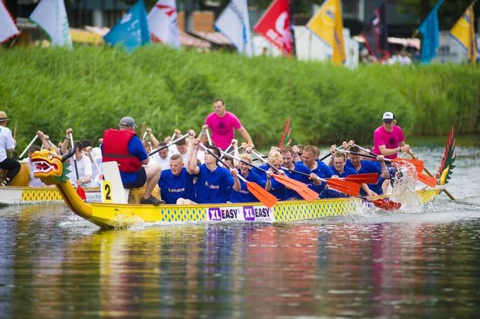 Drakenbootraces in Apeldoorn.