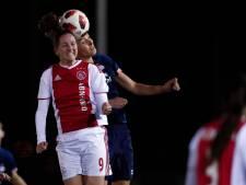 Voetbalsters Ajax aan kop na 'buitenspelgoal', Stroot krijgt gelijk