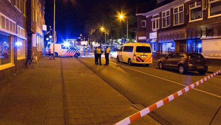 De politie doet onderzoek in het centrum van Zaandam na de steekpartij. Beeld anp