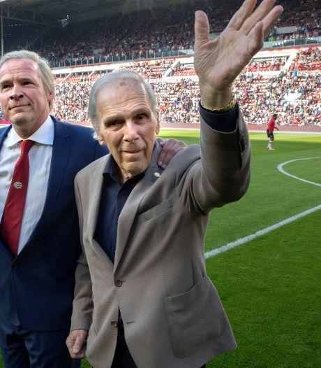 Minuut stilte voor Van Raaij bij FC Twente - PSV