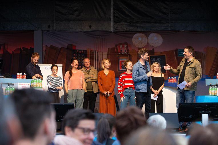 Sid Van Oerle, Tina Maerevoet, Ann Pira, Pol Goossen, Katrien De Ruysscher, Elise Roels, Jeroen Lenaerts, Vanya Wellens en Raf Jansen.