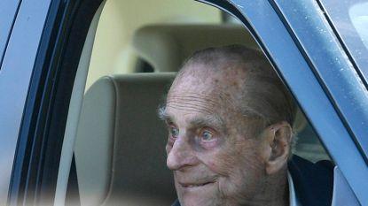 Brokkenpiloot Prins Philip (97) levert vrijwillig zijn rijbewijs in