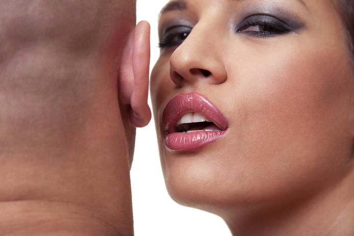 Een 27-jarige Nederlandse prostituee heeft een hap uit een oor genomen van een Belgische klant.