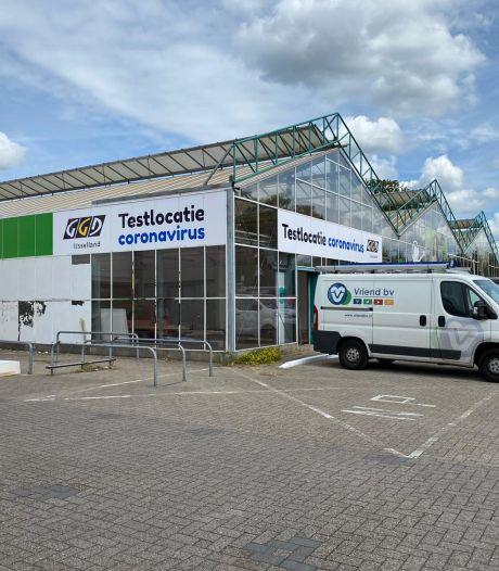 Corona-testlocatie in Deventer verhuist naar leegstaand tuincentrum: meer ruimte voor opschaling