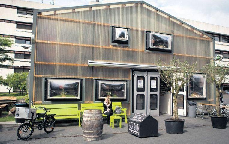Bar Boon, lunchroom op het Mediapark. Beeld ILVY NJIOKIKTJIEN/Hollande Hoogte