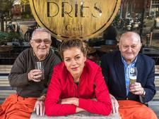 Utrechtse brengt eenzame ouderen weer onder de mensen