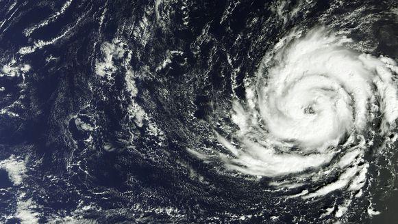 Orkaan Ophelia, hier op ongeveer 1300 kilometer ten zuidwesten van de Azoren.