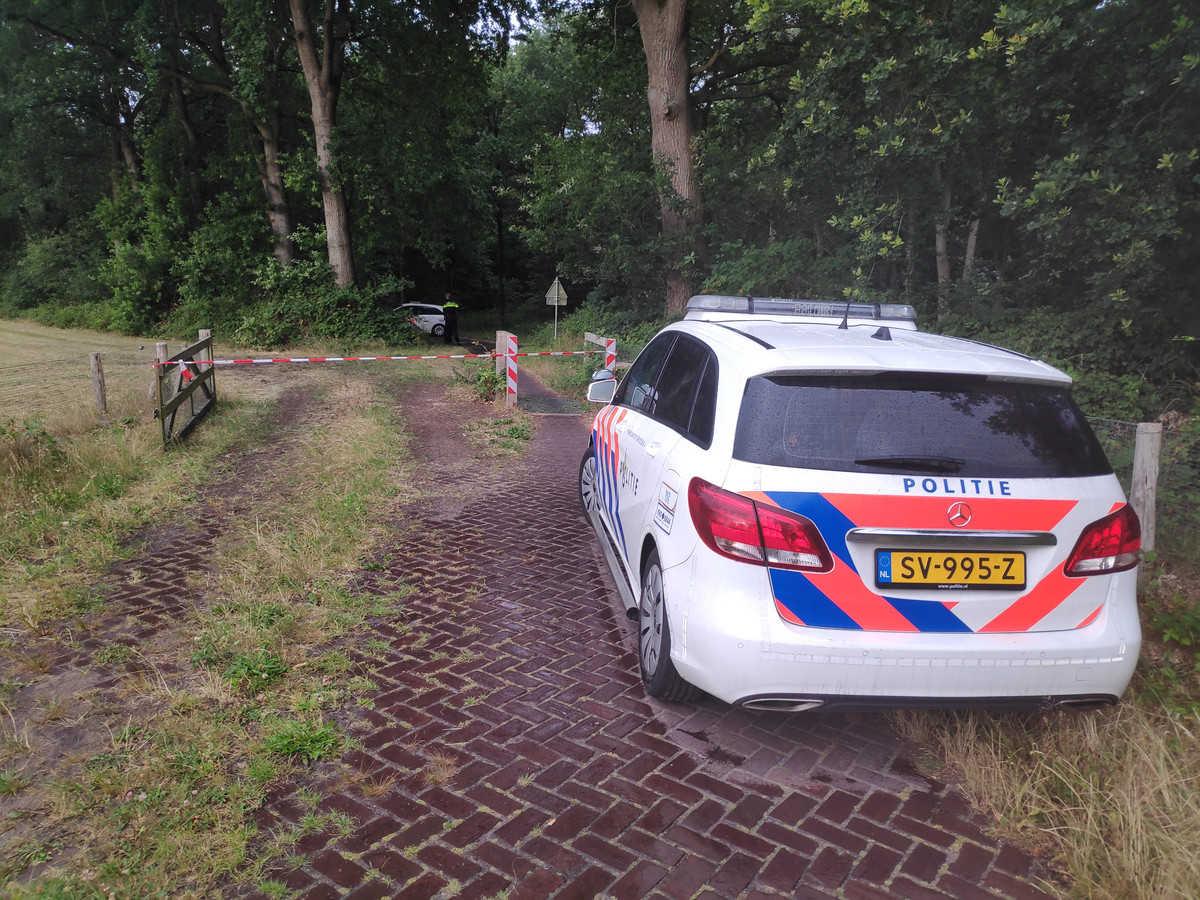 De politie doet onderzoek naar een lichaam dat is gevonden in Ermelo.