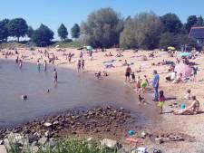 Net als in New York: Er komen cirkels in het gras Buiten de Waterpoort... maar hoe moet dat op het strand?