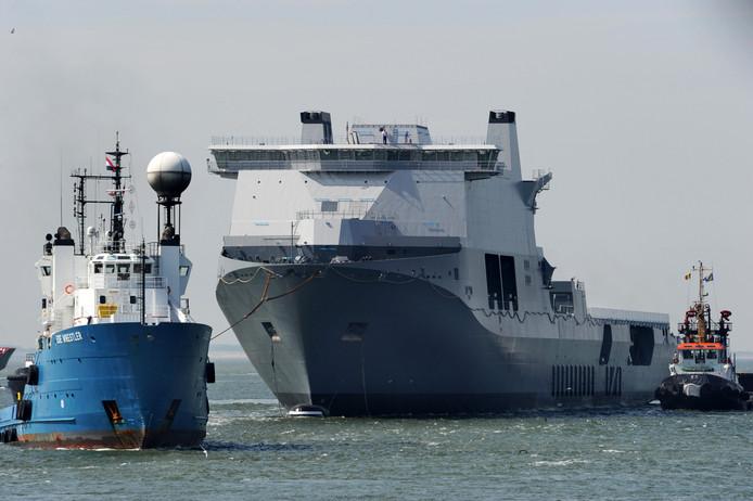 Marineschip de Karel Doorman in Vlissingen.