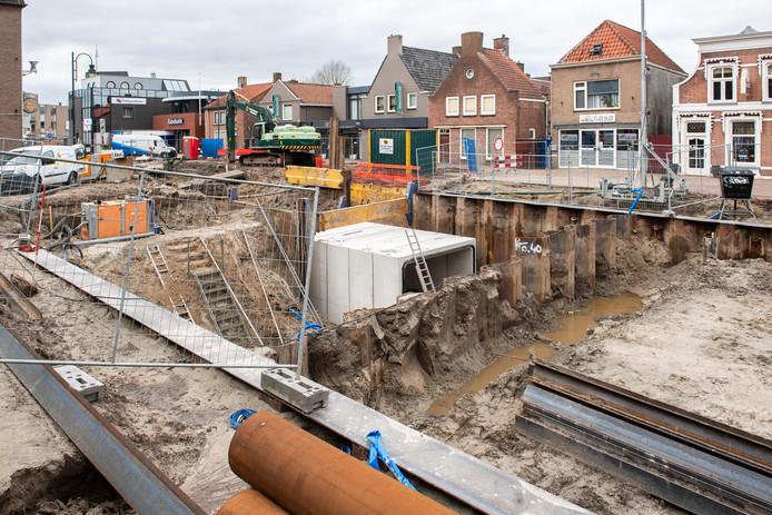 De aanleg van de  duiker die de haven met de Roode Vaart moet verbinden, is begonnen.