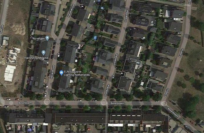 Een bewoner is gewond geraakt bij een woningoverval in de Boterbloem in Boxmeer. Het slachtoffer vond hulp in het Grasklokje, een zijstraat.