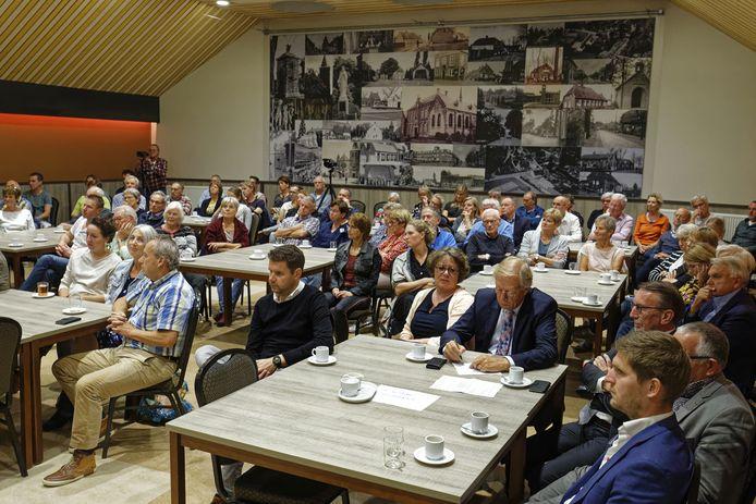 Grote drukte bij de presentatie van het leefbaarheidsplan vorig jaar in Esch