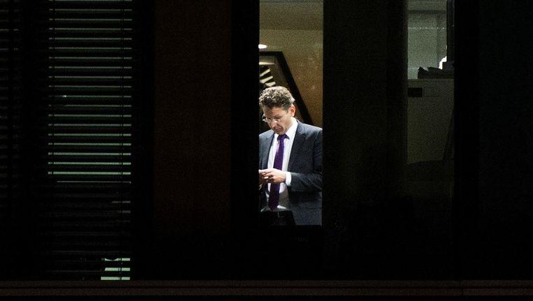 Minister Jeroen Dijsselbloem van Financien voert op zijn departement overleg met de financieel specialisten van de partijen over het sociaal akkoord. Beeld anp