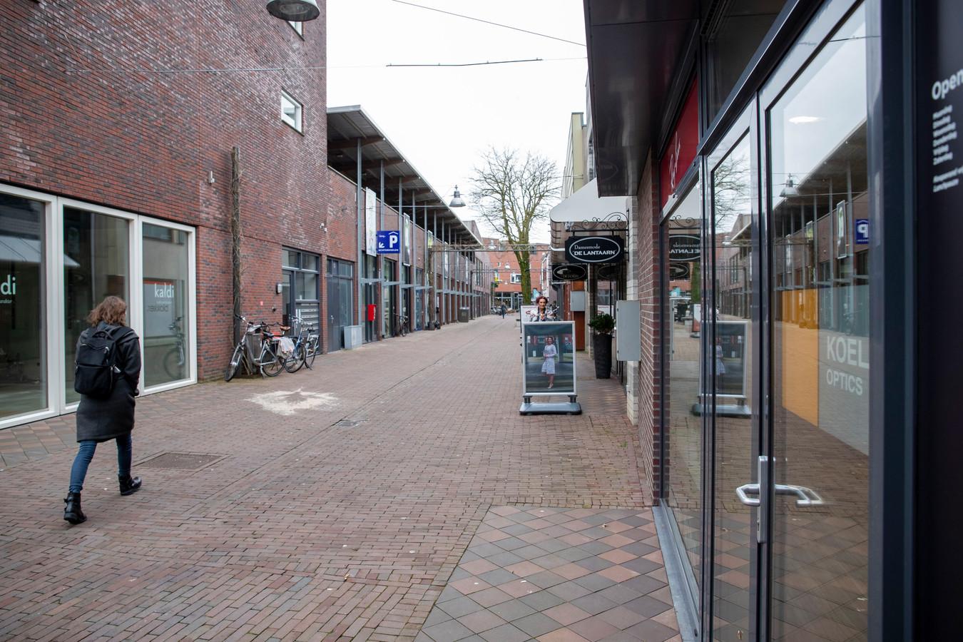 In winkelstraat de Achterdoelen verdwijnen steeds meer winkels en zaken.