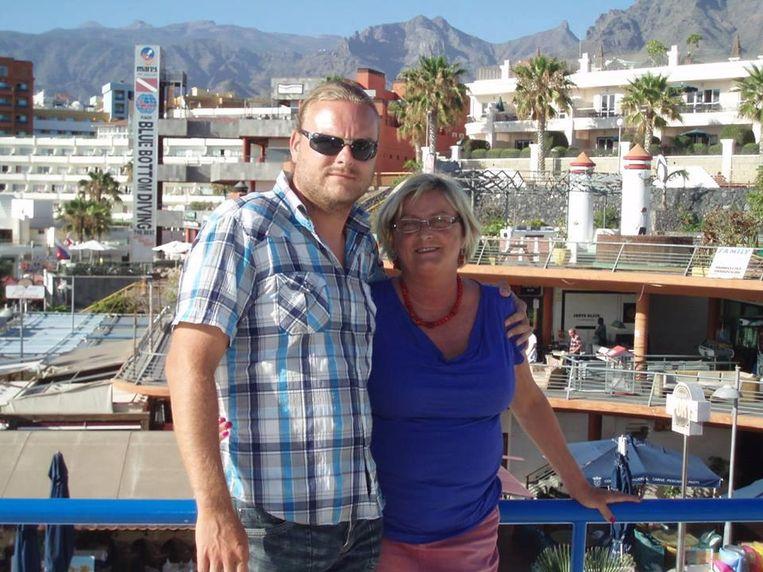 Frederick Cocquyt, samen met zijn moeder Fabienne Follens, in Tenerife.