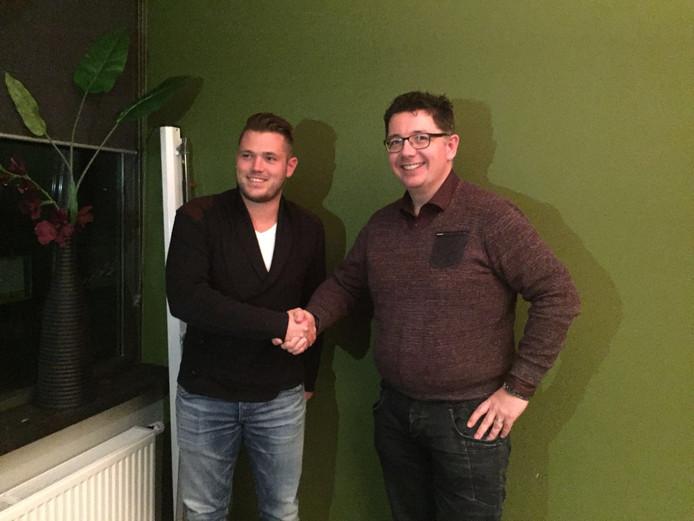 Pieter van Engelen (l) met voorzitter Marc Verhoeven van Terlo.