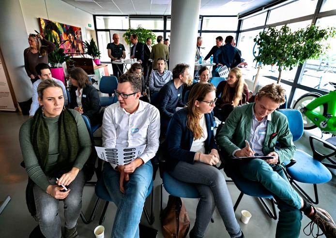 Tijdens de bijeenkomst in Helmond dachten deelnemers tijdens een mini-workshop na over mogelijke nieuwe vormen van duurzaam ondernemen.