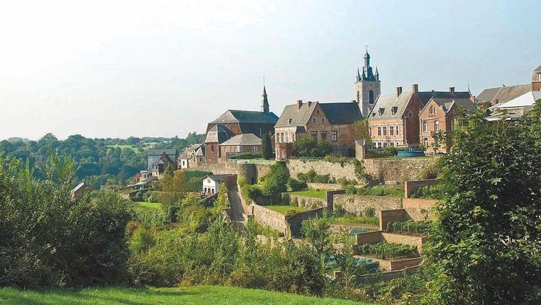 De bovenstad van Thuin met zijn bekende hangende tuinen, 210 in totaal.