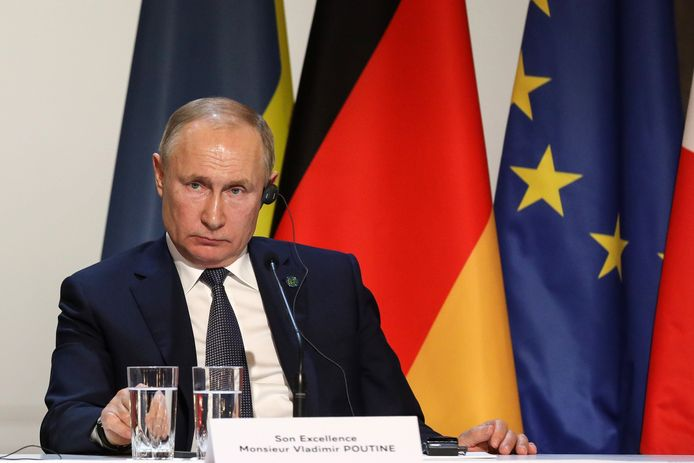 """Vladimir Poutine, Président de la Fédération de Russie - Conférence de presse à l'issue du sommet """"Format Normandie"""", au palais de l'Elysée à Paris, France. Le 9 décembre 2019."""