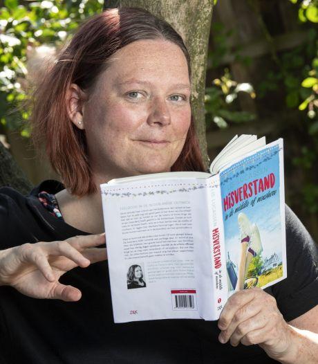 Schrijfster Olga Hoekstra uit Enschede overwon haar angst: 'Zou geen goed voorbeeld voor mijn kind zijn'