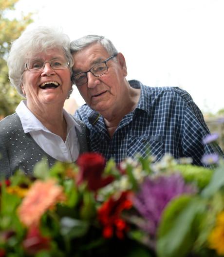 Echtpaar Schoemaker uit Almelo 'plakt er gewoon nog 60 jaar bij aan'