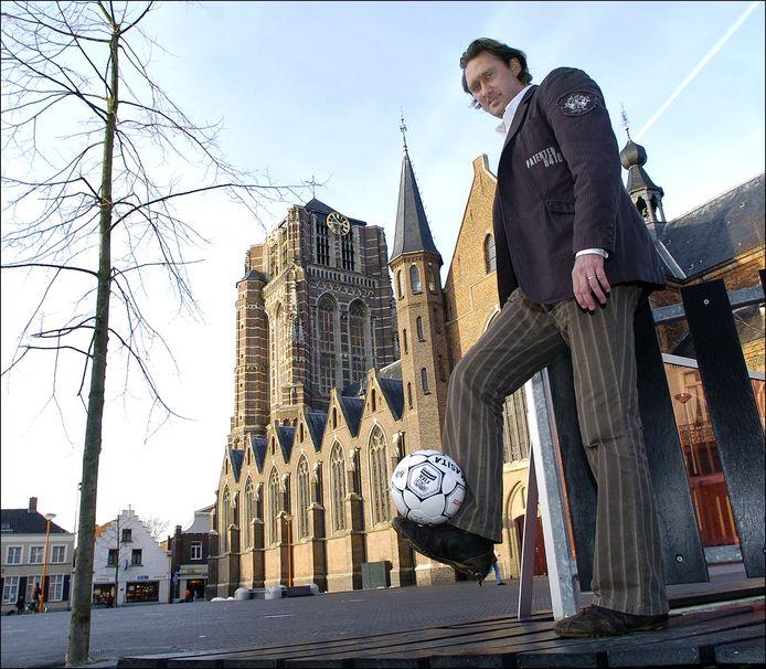 Als voorzitter van TSC op de Oosterhoutse Markt en als speler van NAC in het Bredase stadion.