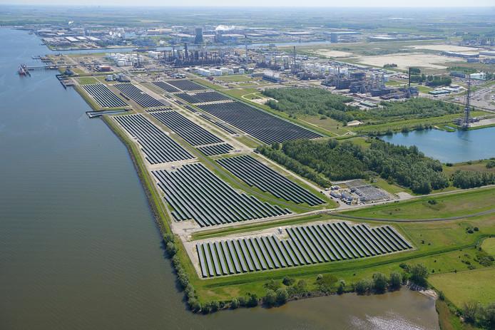 Shell Moerdijk voert op vele fronten de top 5 van haven en industrieterrein Moerdijk aan.