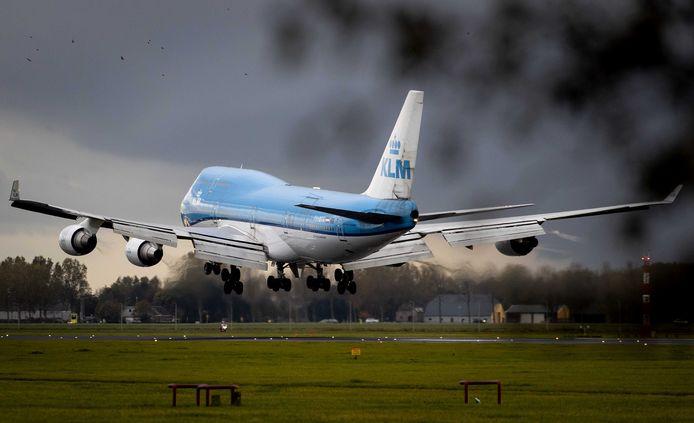 Binnen KLM is onrust ontstaan tussen grond- en cabinepersoneel en piloten.