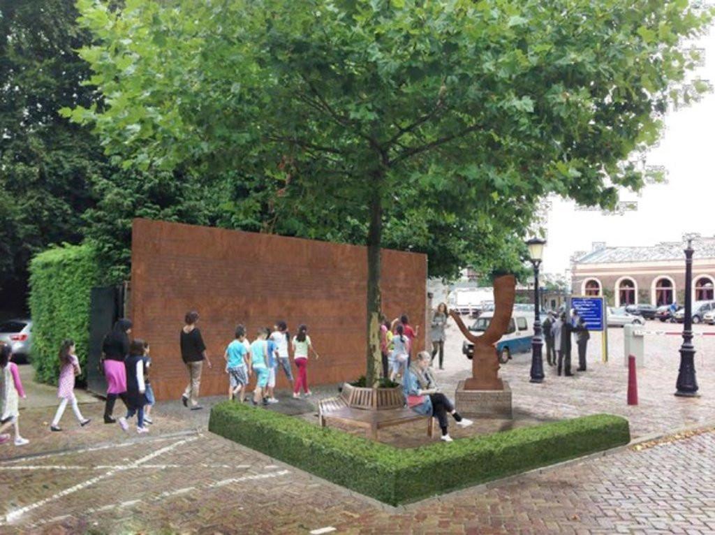 Een artist impression van het Joods Monument met het beeld en de wand met namen van slachtoffers.