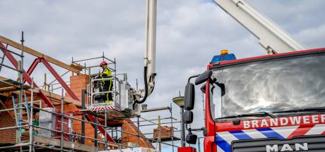 Bouwvakker valt van steiger en raakt zwaargewond in Brabant