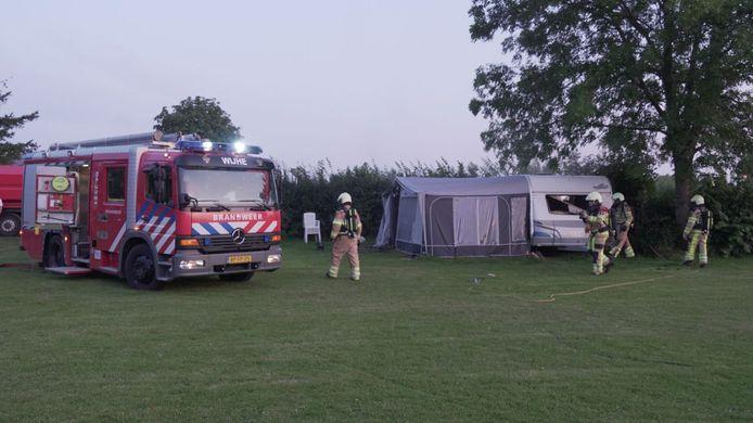 Door nog onbekende oorzaak vloog woensdag een caravan in brand op camping 't Haasje in Olst.