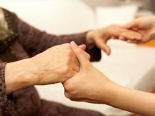 Verzekeraar wil helpen bij zoeken hulp ouderen