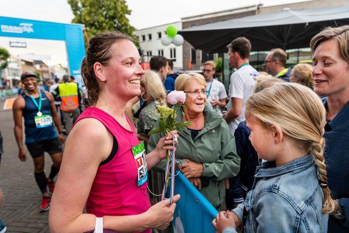 Binnenkomst van een deelnemer aan De Maasdijk op de Heuvel in Oss, in 2019.