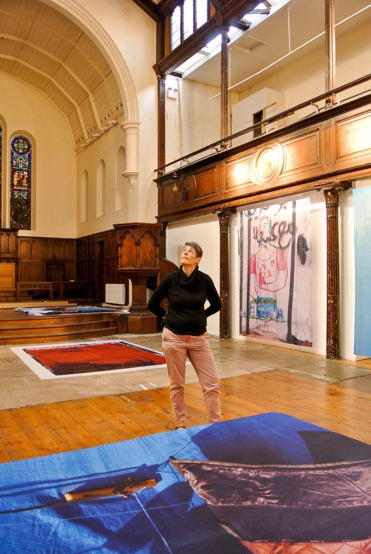 Liz Whitehead in kunstcentrum Fabrica. Beeld Haroon Ali