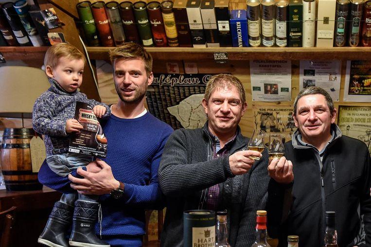 De whiskeyliefhebbers van McShelfie delen hun passie.
