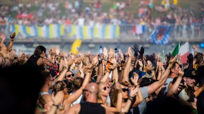 """Geruchten over twee doden door drugs op Tomorrowland. Politie, parket en festival zijn """"niet op de hoogte"""""""