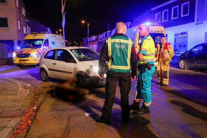 Fietser zwaargewond na aanrijding in Eindhoven.