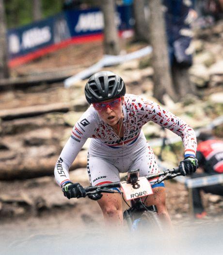 Favoriete Terpstra valt vroeg uit op WK mountainbike