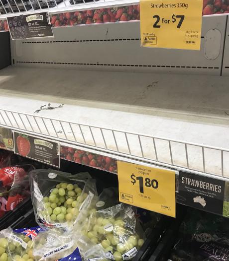 Australië pakt jongen op die naalden in fruit stak