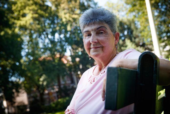 Jetty Blijdenstein is al haar hele leven zeer slechthorend, maar ze liet zich daar nooit door weerhouden.