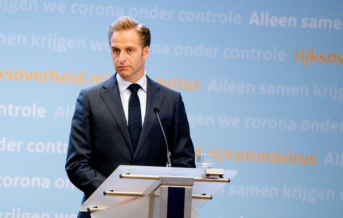 Minister Hugo de Jonge van Volksgezondheid, Welzijn en Sport (CDA) tijdens een persconferentie.