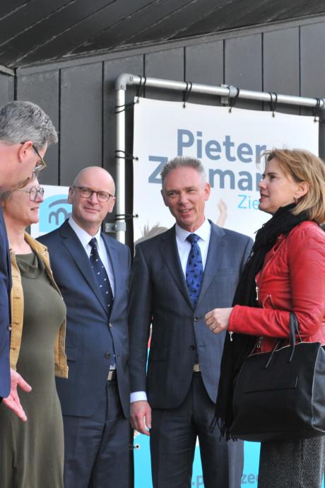 Minister van Nieuwenhuizen wordt uitgedaagd door vervoer op Schouwen-Duiveland