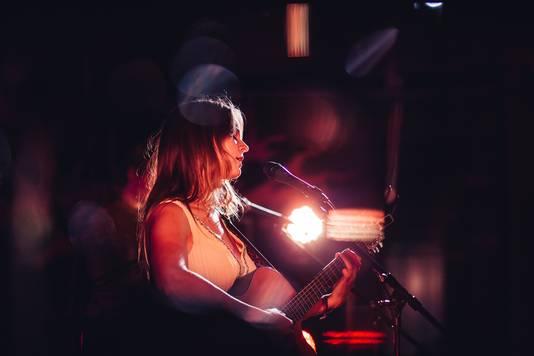 Stadsdichter en muzikant Iris Penning