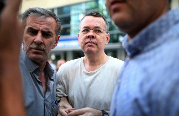 Een predikant is reden voor ruzie tussen VS en Turkije: wie is Andrew Brunson?