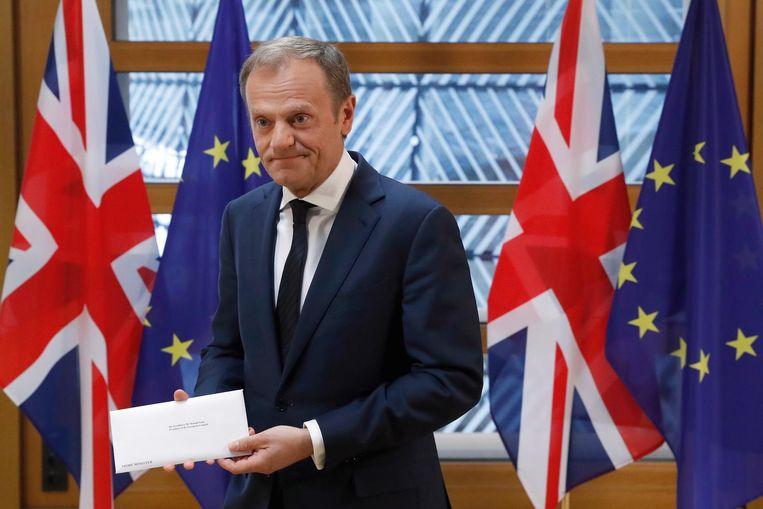 Dinsdag heeft voorzitter Tusk van de Europese Raad de artikel-50-brief ontvangen waarmee premier May de uittreding van Groot-Brittannië uit de EU in gang heeft gezet. Beeld AP