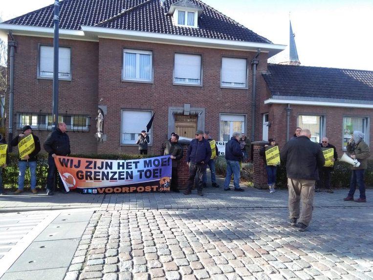 Actie Sint-Donaaskerk en aan woning pastoor in Zeebrugge