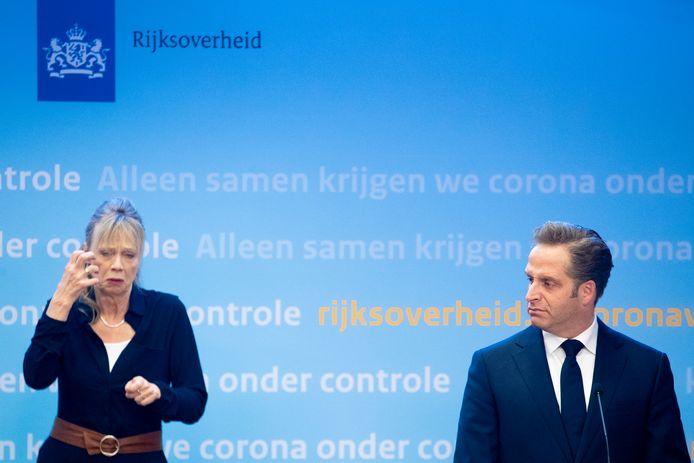 Minister Hugo de Jonge tijdens de persconferentie