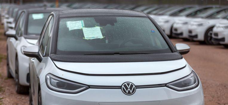 Een Volkswagen ID.3, die later dit jaar op de markt komt en met de nieuwe regeling toch tot 4000 euro goedkoper wordt.  Beeld EPA