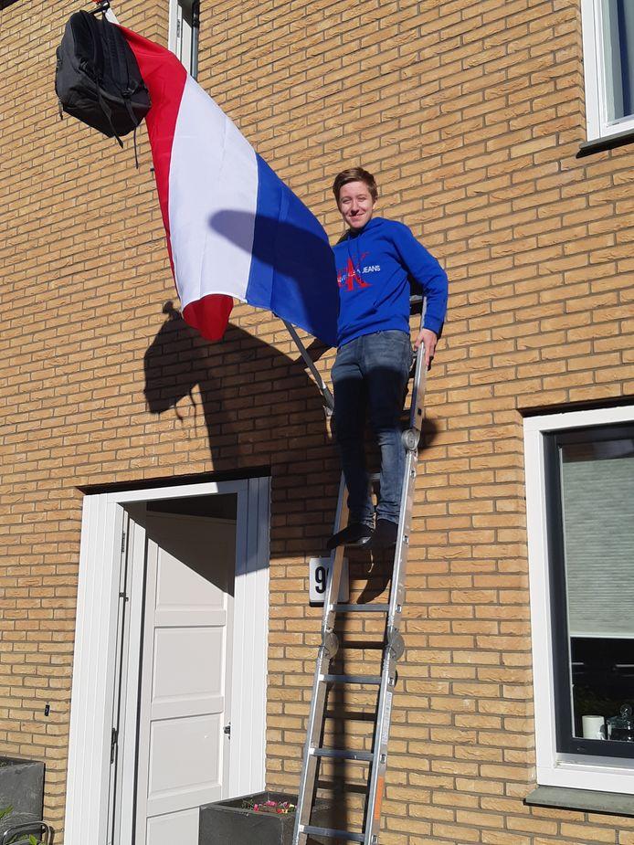 De 16-jarige Kevin Duijtshoff uit Zwolle is op het vmbo geslaagd met allemaal voldoendes. Hij gaat na de zomervakantie een ICT opleiding volgens op het Deltion College.